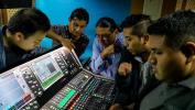 canal 7 recibe entrenamiento dlive - allen & heath